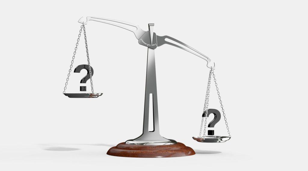 天秤 どっちを選択するべきか?